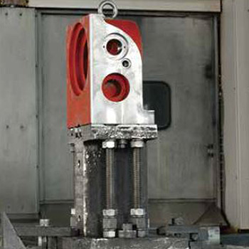 The parts of HSU PEN rotary table are precision machined by using the sophisticated machine tools.